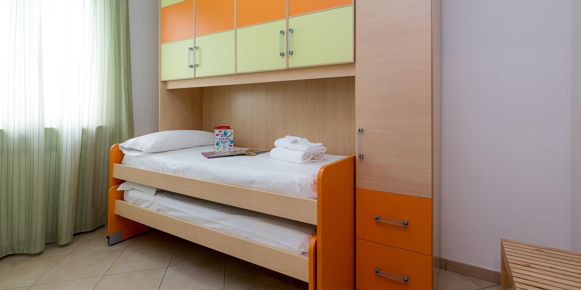 residence-desk-4